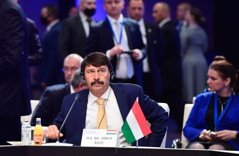 Áder總統敦促採取聯合行動解決歐盟問題